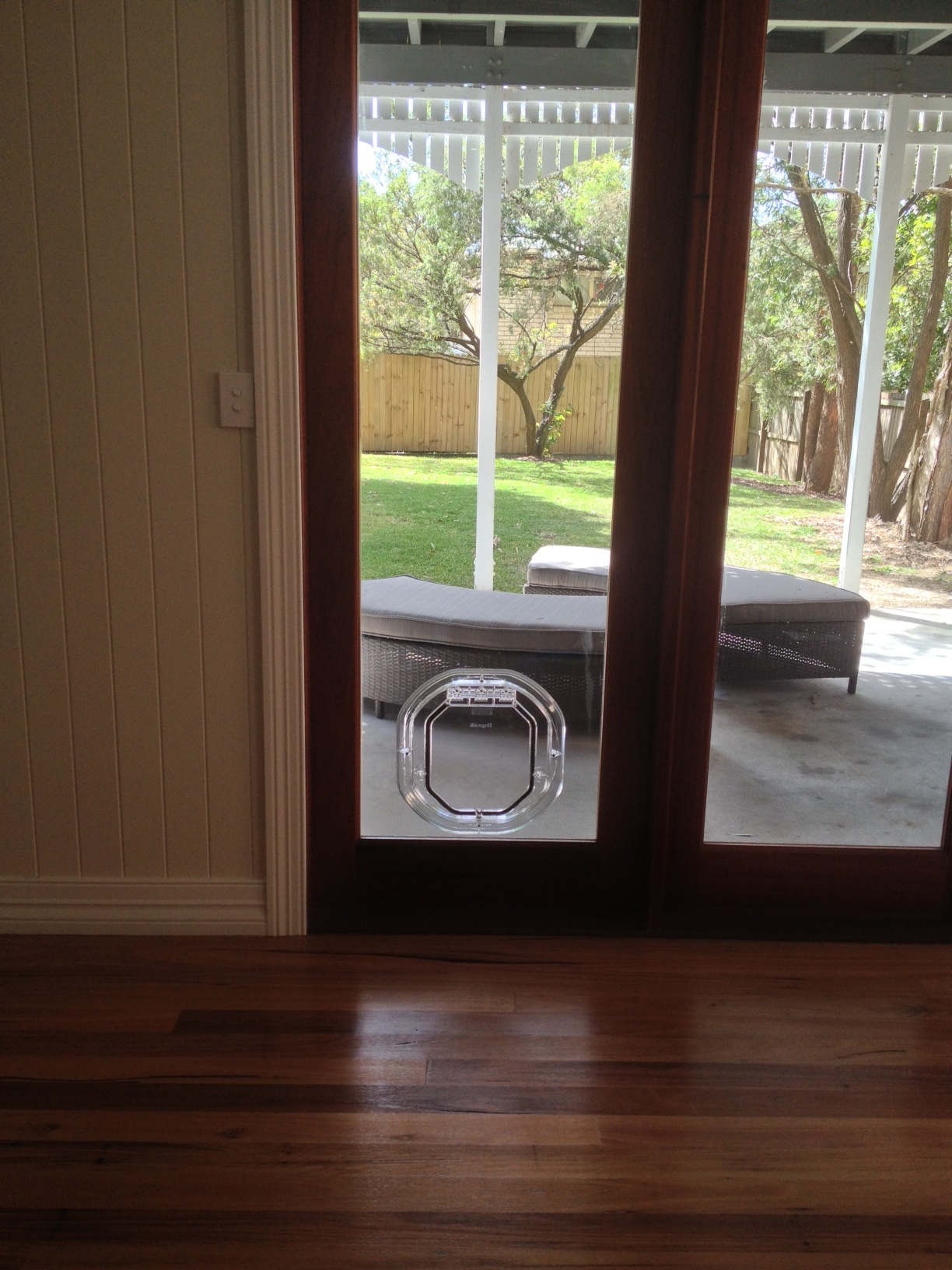 Glaztec Medium Dog Door Australiapetdoors